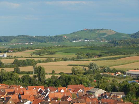 Genau bei den Feldern in der Mitte soll das im nächsten Bild erwähnte Gewerbegebiet hinkommen.