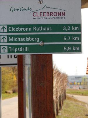 Touristischer Wegweiser am Zabergäuweg/ WG Cleebronn-Güglingen des Weinortes Cleebronn.