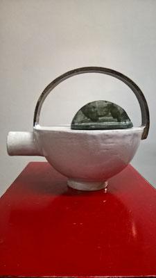 Teekanne, ca. 20cm hoch, ca. 0,6 l