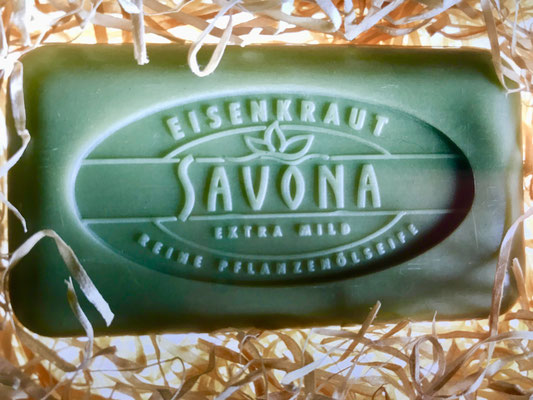Marken- und Packungs-Design für Savona Seifen Sortiment, Seifenprägung, dm-drogeriemarkt, Karlsruhe. Susanne Barth für Young & Rubicam Werbeagentur, Frankfurt