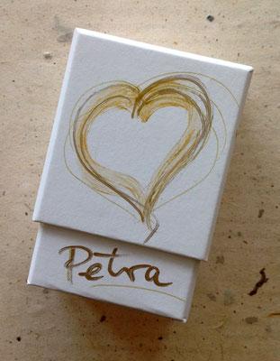 """Individuell gestaltete Umverpackung für """"Ich Bin Dein Herz""""- Karten-Set.© Susanne Barth, www.aus-liebe-im-leben.de"""