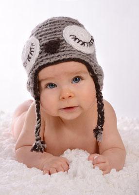 Foto vom Baby mit Mütze in Teltow