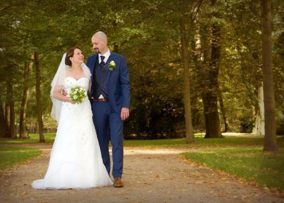 Hochzeitsfoto beim Spaziergang in Königs Wusterhausen