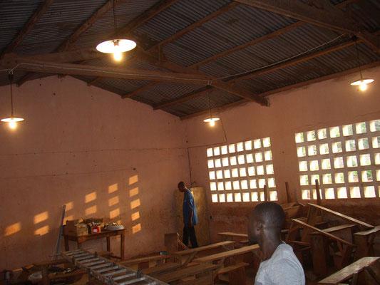 Beleuchtetes Klassenzimmer