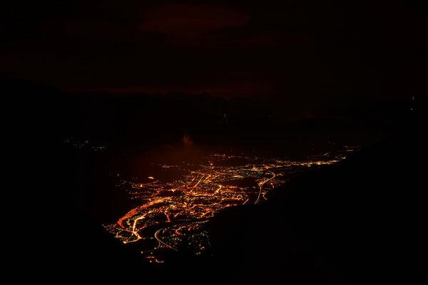 Bellinzona e il Piano di Magadino in notturna