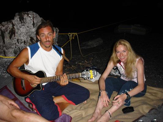 Skipper und Barde, Die Gitarre ist jetzt auf der Jojo.