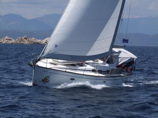 aktives Mitsegeln unter Anleitung von einem erfahrenem Skipper