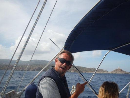 Die letzte Landspitze von Sardinien auf durchs Mittelmeer