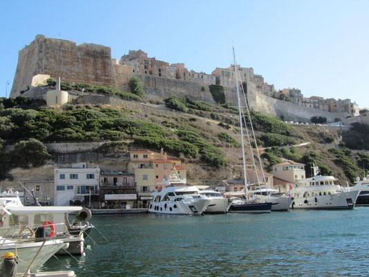 Segelurlaub mit Skipper im Mittelmeer mitsegeln Sardinien