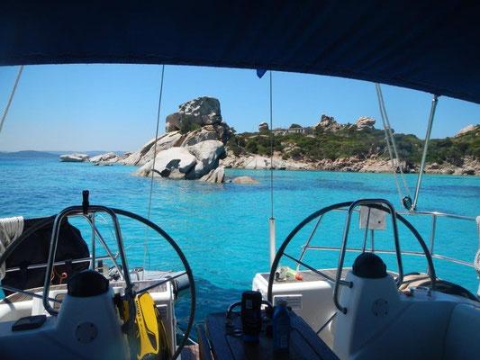 """""""scheiß türkis"""" vom Cockpit der Segelyacht JOJO direkt ins Wasser springen"""