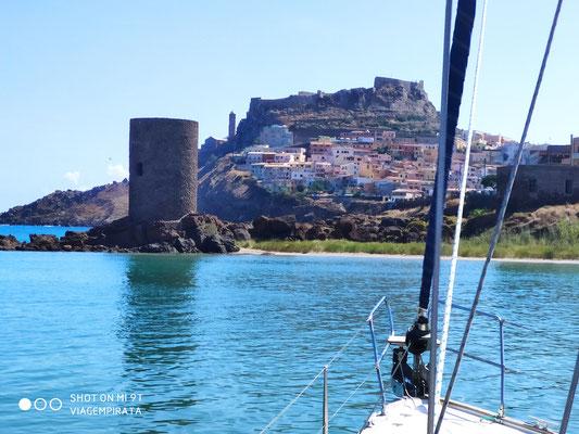 Der Segeltörn von Stintino nach Alghero geht durch die Fornelli Passage