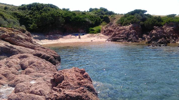 unser privater Strand auf Sardinien, zu Fuß und diesmal ohne Segelyacht.