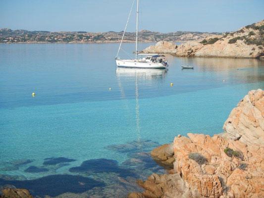 Ein Traum in scheiß Türkis Kojencharter mit der Jojo im Mittelmeer. Italien , Sardinien und Korsika
