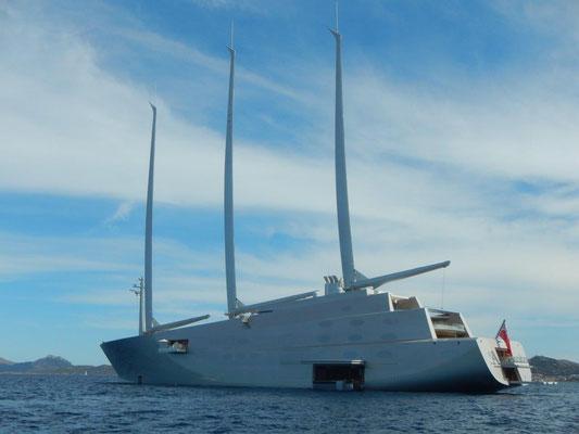 """mit 148 Metern ist die """"A"""" die größte Segelyacht der Welt"""