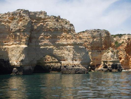 Torbogen von Mutter Natur geformt die Algarve