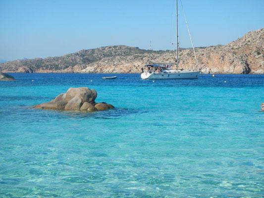 Die Buchten vor Sardinien und dem Maddalena - Archipel Italien und Frankreich