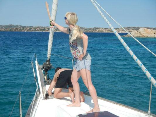Viagempirata erobert die Bucht !! Cindy mit Piratenschwert am Bug.