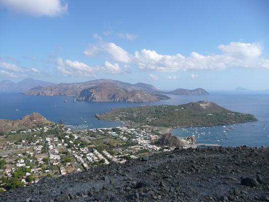 Die Liparischen Inseln. Aus der Anfangszeit, als ich noch für Agenturen geskippert habe.