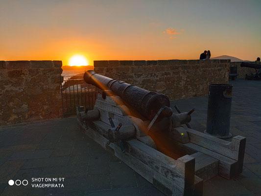 Sonnenuntergang auf der Festung von Alghero
