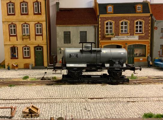 Der Wagen steht im Bahnhof Witthus-Mole