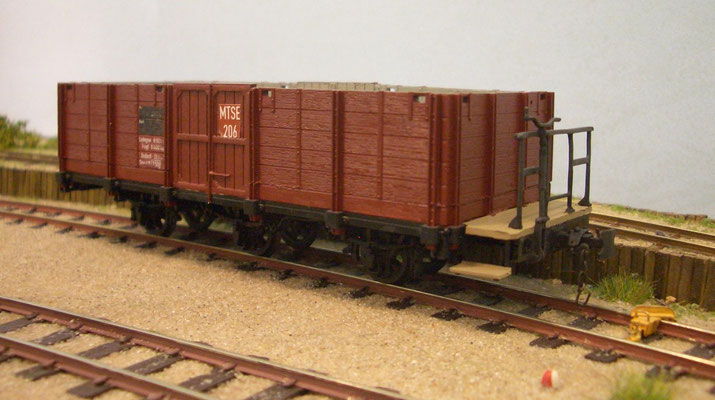 97-44-21 -  MT-O-Wagen ein Brett höher und neue Türen.