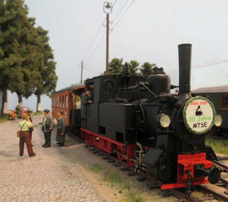 Die Ehrengäste sind mit einem Sonderzug in Wittower Fähre angekommen.