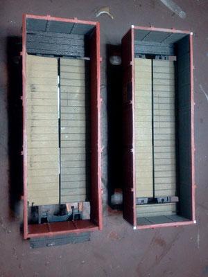 Wenn die Seitenwände neben den Profilen gesägt werden, müssen die Ecken mit einem Kunststoff-Vierkant aufgefüllt werden.