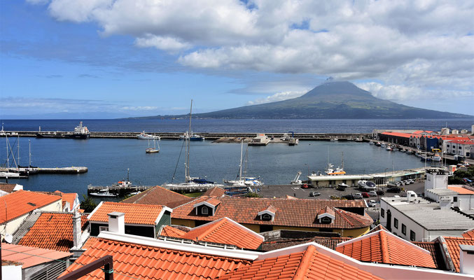 pico - view from Horta, Faial @ Azores - picture by Markus Jimi Ivan