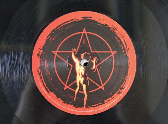LP GF - US edition - Hologram etching
