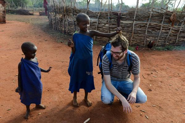 Bei den Masai in Tansania Ende 2014. Foto: Jörg Böthling.