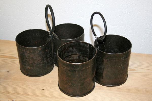Doppelbehälter aus Recycling-Eisen
