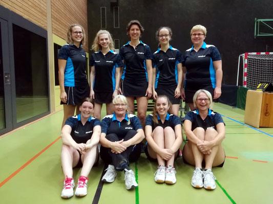 Gleiche Trikots und tolle Stimmung: Die Damen des TSV Musberg und TSV Holzmaden