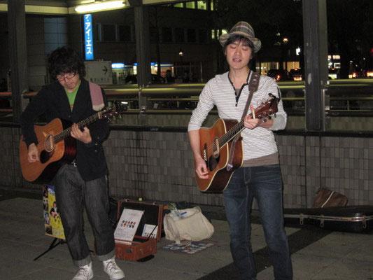 2010.5.7.fri. 金山 『Street Live』 with 渡部裕也