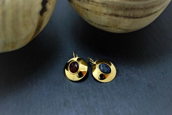 Goldschmiede Jürg Roduner Antikschmuck Ohrhänger aus Gelbgold 750 mit zwei antiken Gemmen