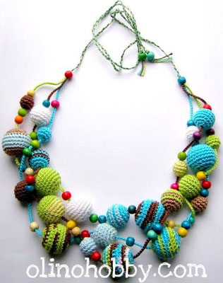 Crochet necklace multicolor