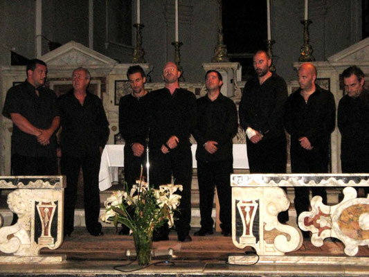 Mai 2009 : le groupe TEMPVS FVGIT dans l'église du couvent de CORBARA