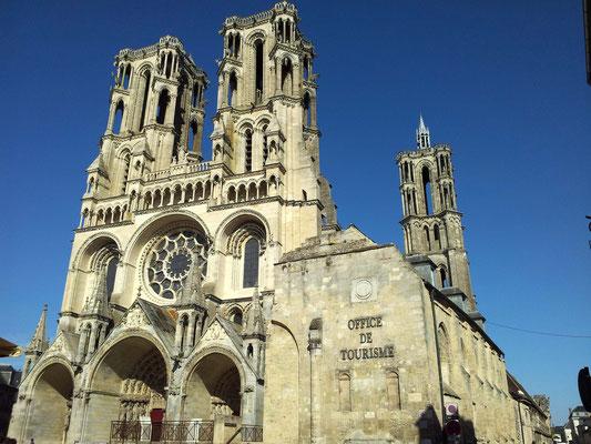 Cathédrale Notre-Dame et Office de Tourisme de Laon