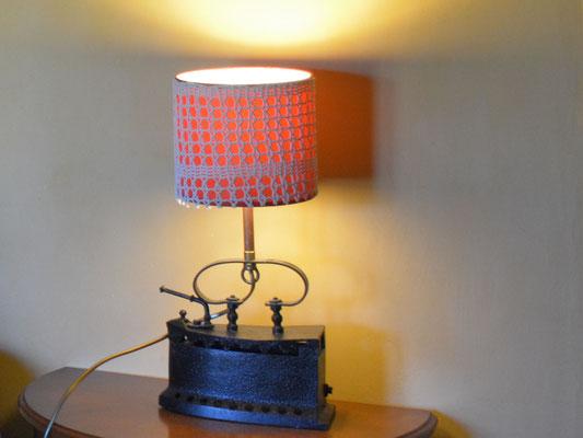Lampe fer à repasser