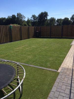 Kunstgras in combinatie met echt gras