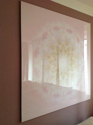 Lebendiger Meisterkristall in Privaträumen, Echtfoto hinter Acrylglas, Format 140 x 140 cm © Susanne Barth