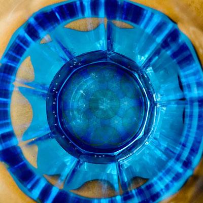 """Lebendiges Mandala """"Zentriertheit"""" durch ein Glas gesehen... © Susanne Barth"""