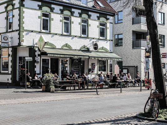 Lilie in der Hemmstraße. ©Daniel Zaidan/dezettgrafik