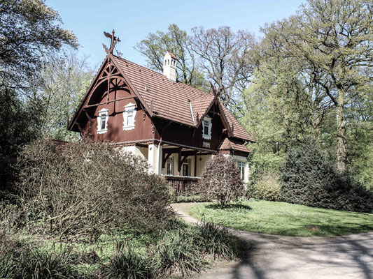 Altes Haus im Park