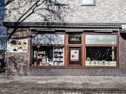Findorffer Bücherfenster in der Hemmstraße. ©Daniel Zaidan/dezettgrafik