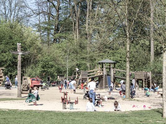 Kinderspielplatz im Bürgerpark. ©Daniel Zaidan/dezettgrafik