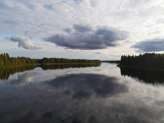 Der Munioälv bildet die Grenze zwischen Schweden und Finnland