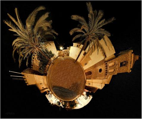 Kirchplatz Rota, Andalusien