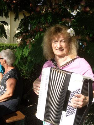 Unsere allseits beliebte Bissingerin (Teck) Musikantin Ilse Schubert