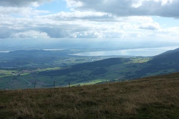 Lacs de Morat et de Neuchâtel depuis Chasseral