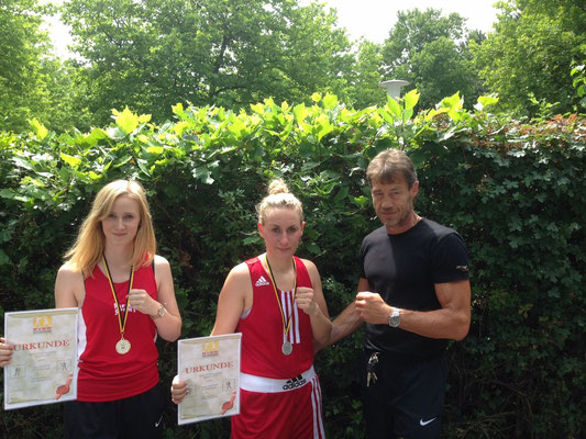 Nina und Sabrina mit Medaillen Schriesheim 2015